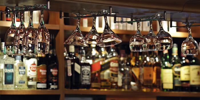 Врачи назвали самые опасные алкогольные напитки разрушающие печень