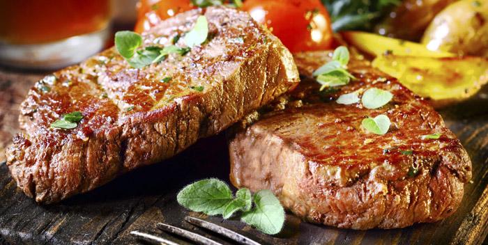 Отказ от мяса позволяет дольше жить
