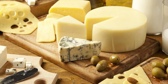 Сыр защищает от кариеса