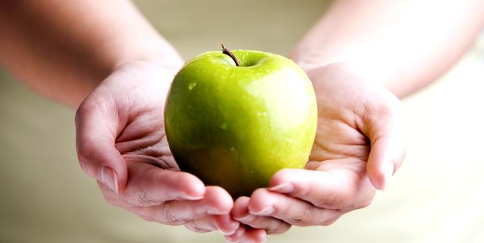 Яблоко – фрукт, дарящий жизнь сердечникам