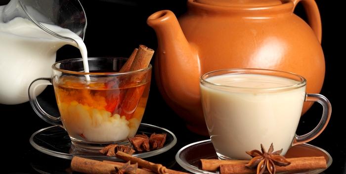 Чай с молоком пить вредно - эксперты
