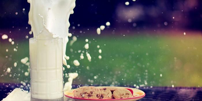Стакан молока взрывается как вулкан