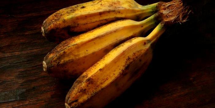 Темные пятна на бананах