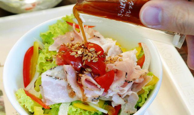 Льняное масло в салате