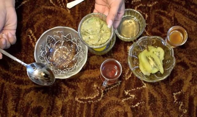 Маска из авокадо и киви
