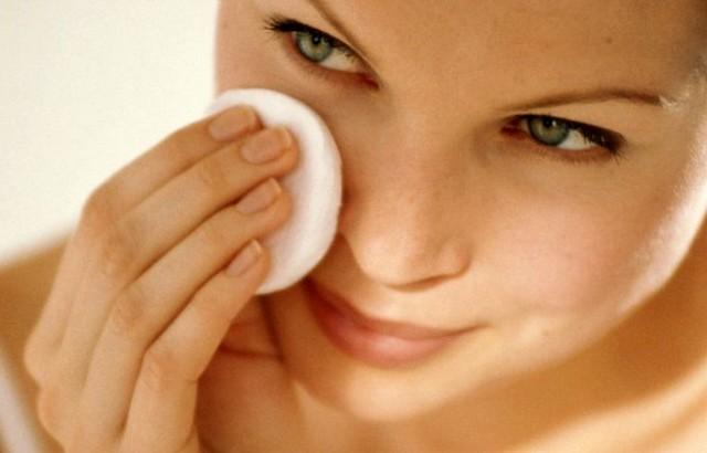 12 очищающих тоников для жирной кожи в домашних условиях