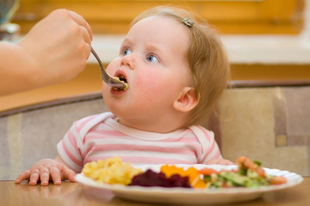 переедание-еда для детей