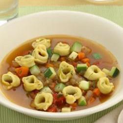 Суп с пельмешками и кабачком
