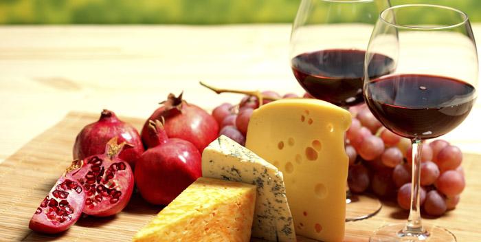 Гранат и красное вино