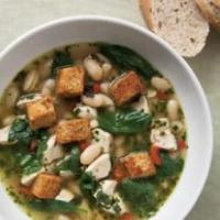 Куриный суп со шпинатом и свежим песто