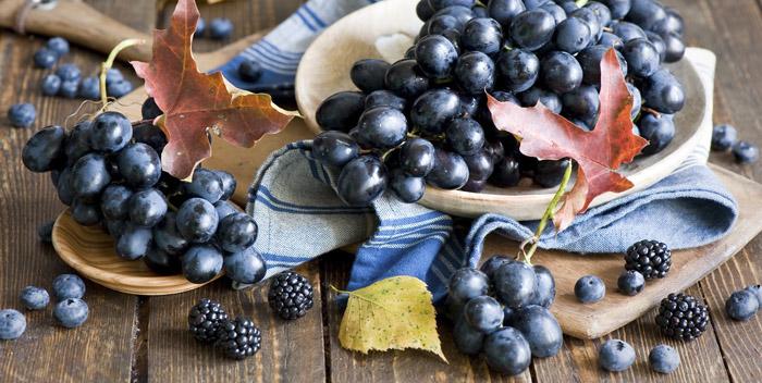 Виноград и голубика
