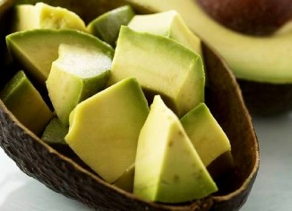 Авокадо нарезанный