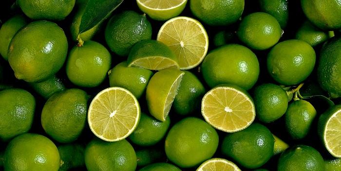 Зеленый фрукт лайм