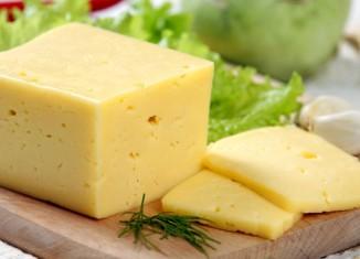 Сыр по воздействию на организм приравнен к наркотическим продуктам